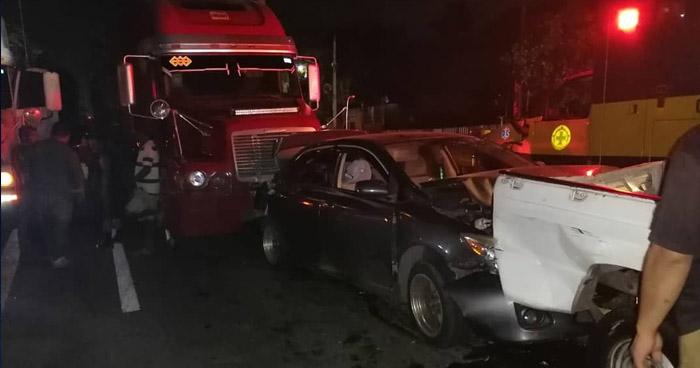 Multiple accidente deja varios lesionados en carretera Troncal del Norte