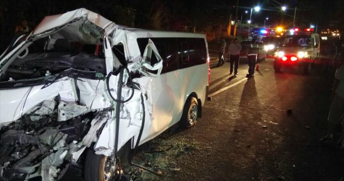 Un fallecido y varios lesionados tras aparatoso accidente de tránsito en carretera de La Libertad