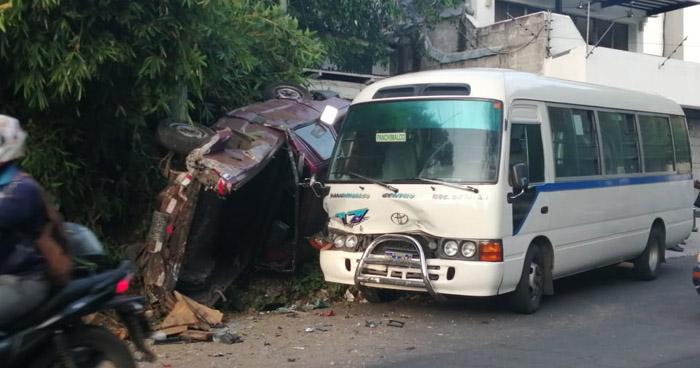 Varios lesionados tras choque ocasionado por motorista de Ruta 17 en carretera a Los Planes de Renderos