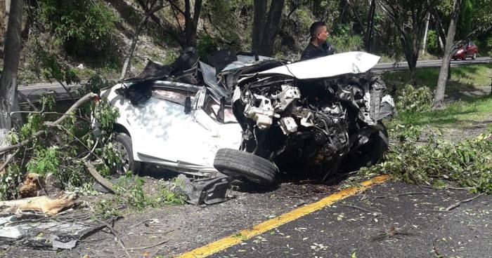 Un fallecido tras fuerte accidente de tránsito en San Pedro Perulapán