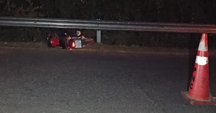 Motociclista muere en múltiple choque en carretera a Santiago de María