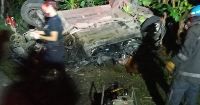 Mujer fallecida y dos lesionados tras aparatoso accidente en carretera a Sonsonate