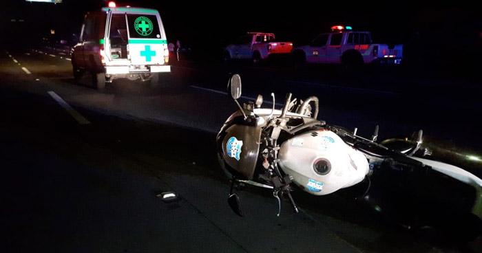 Motociclista ebrio lesionado tras chocar contra una patrulla de la PNC en San Salvador