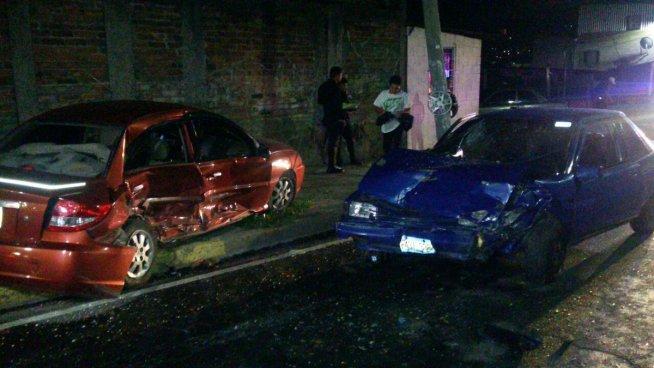 Dos lesionados en accidente de tránsito esta madrugada
