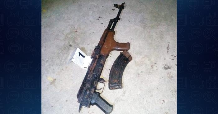 La PNC decomisa fusil AK47 en comunidad de San Salvador