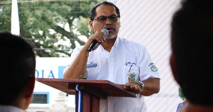 Acusan a alcalde de Santo Tomas por acoso sexual y violencia verbal