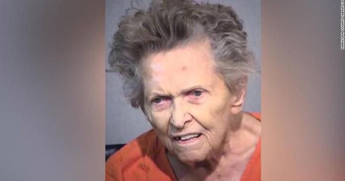 Mujer de 92 años mató a su hijo porque la quería llevar a un hogar de ancianos