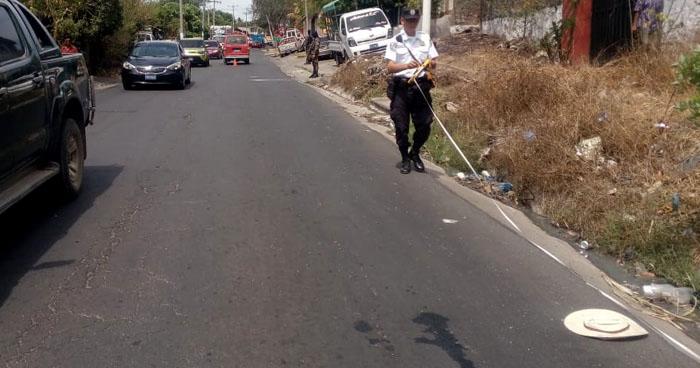 Conductor atropella y mata a un anciano en carretera Panamericana, San Vicente