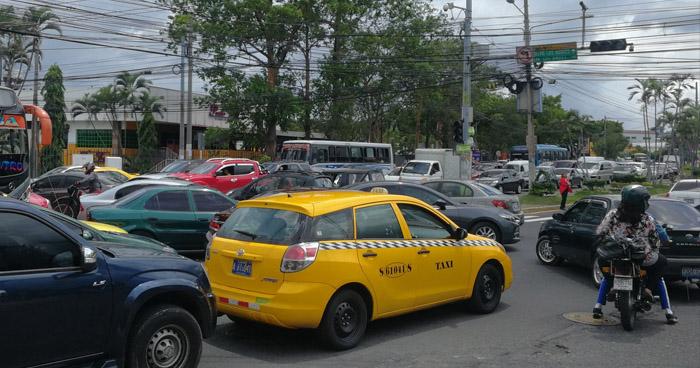 Apagón de energía afectó este lunes diferentes puntos de El Salvador