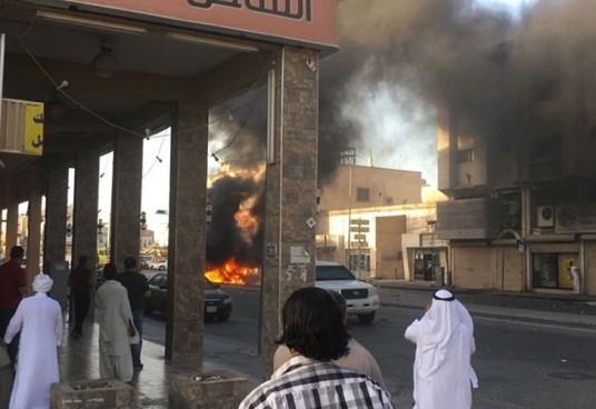 Coche bomba explota en un mercado de Arabia Saudita