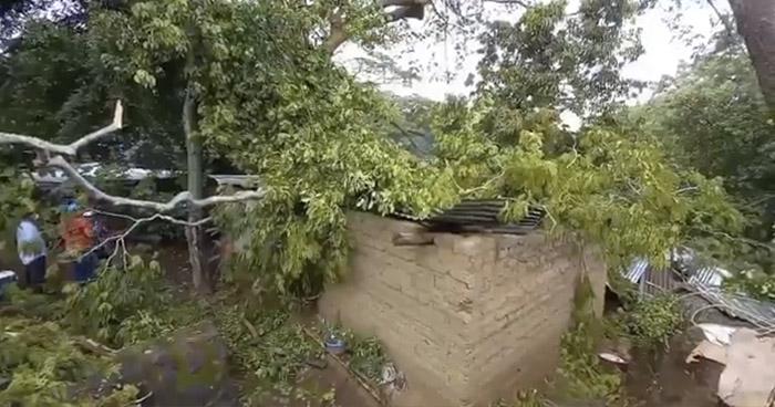Daños en viviendas por lluvia obliga evacuación de familias en Ahuachapán
