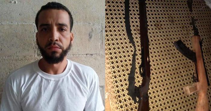 Capturado con un fusil y un AK-47 en Santa Elena, Usulután