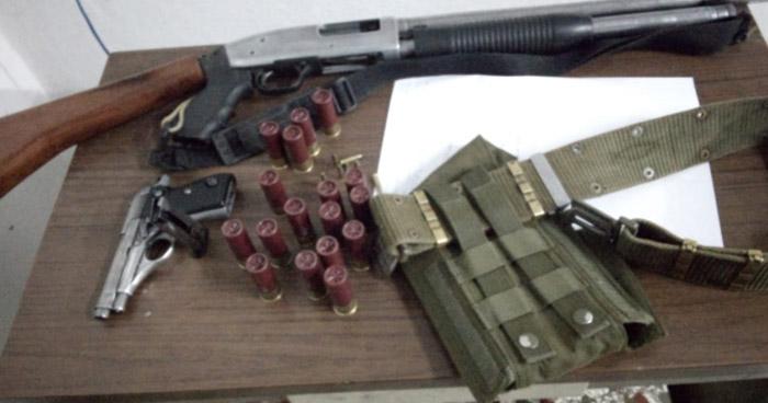 Incautan armas de fuego y accesorio de uso militar en San Vicente