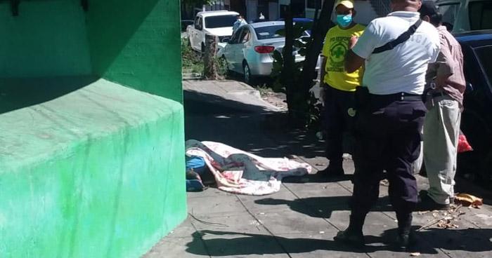 Asesinan a hombre frente a su vivienda en Barrio San Miguelito