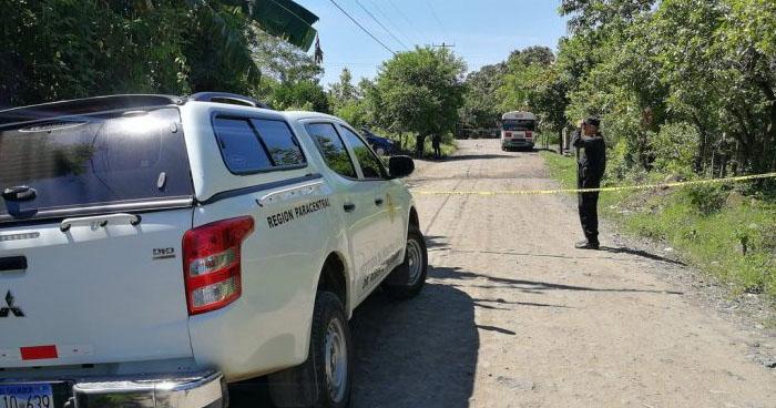 Mujer fue asesinada y decapitada en Ciudad Arce. Su hijo es el principal sospechoso