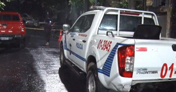 Hombre herido de bala muere frente a su vivienda en colonia Flor Blanca, en San Salvador