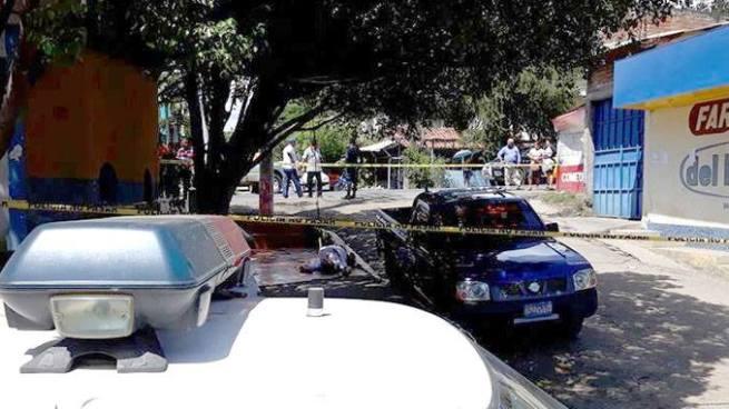 Delincuentes matan a balazos a picachero en La Unión