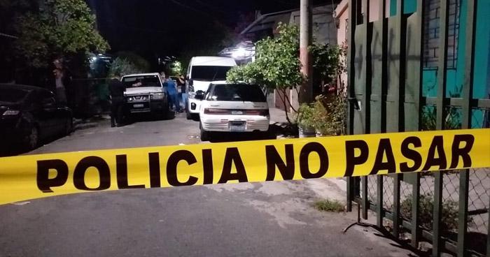Asesinan a hombre frente a su vivienda en Colón, La Libertad
