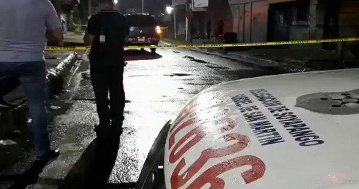 Asesinan a un hombre al interior de su vehículo en Soyapango