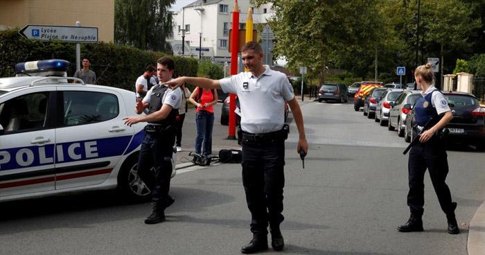 Al menos 4 heridos tras ataque con cuchillo en París, Francia