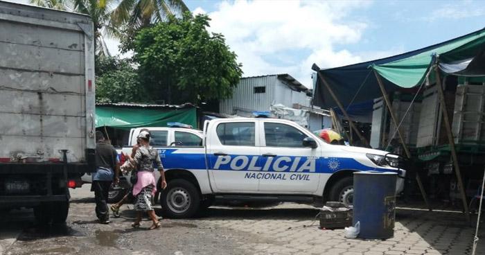 Dos mujeres lesionadas tras tiroteo en mercado La Tiendona