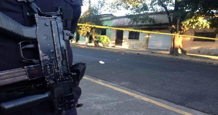 Pandilleros asesinan a joven aprendiz de mecánico en taller de Santa Ana