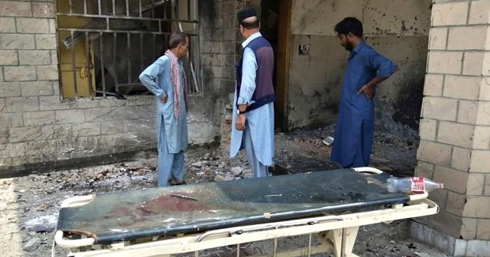 Al menos 15 muertos tras atentado suicida en mezquita de Pakistán