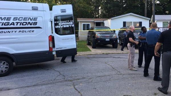 Masacre en Atlanta: Madre apuñalo a sus cuatro hijos y mató a su esposo