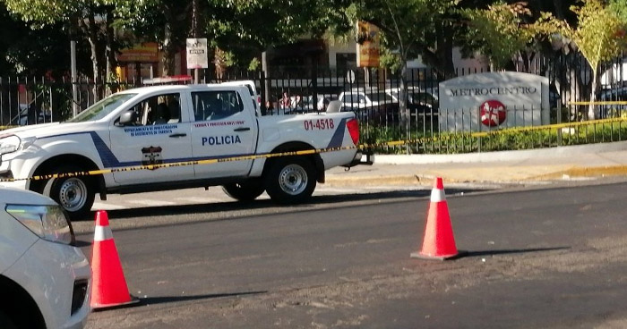 Anciana muere atropellada frente a reconocido centro comercial en San Salvador