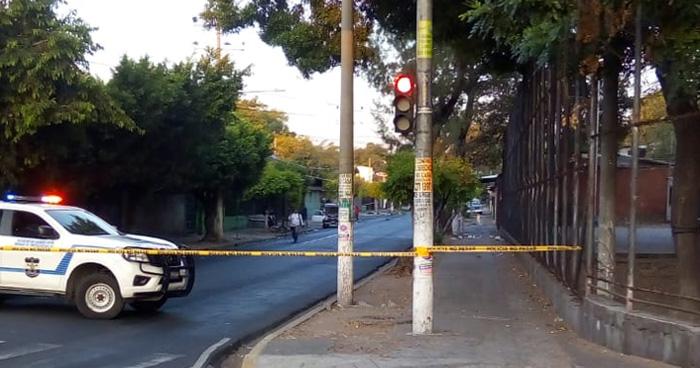 Un hombre muere tras ser atropellado en la calle 5 de Noviembre de San Salvador