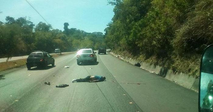 Hombre muere tras ser atropellado sobre la carretera de Oro