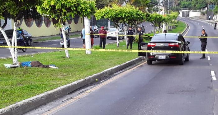 Dos personas murieron al ser arrollados en diferentes calles de San Salvador