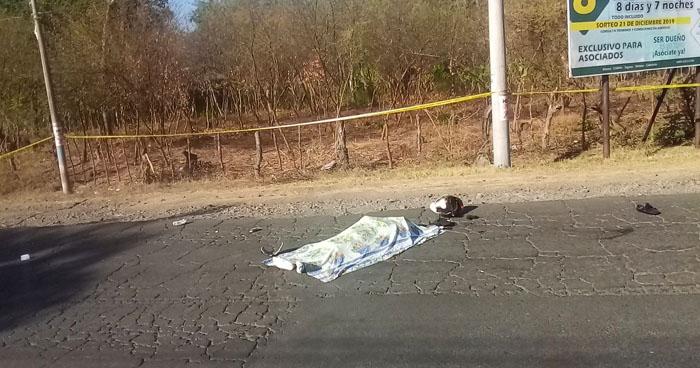 Motociclista muerte al chocar contra un perro en carretera de Morazán