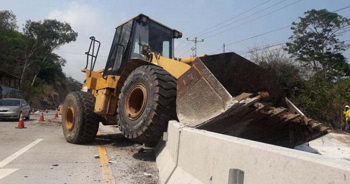 Mujer muere al ser arrollada por maquina con falla en los frenos en carretera al Puerto