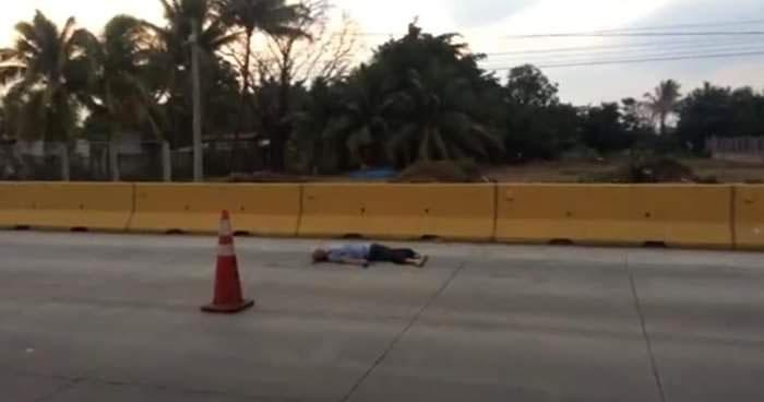 Hombre muere luego de ser atropellado en desvío de Izalco