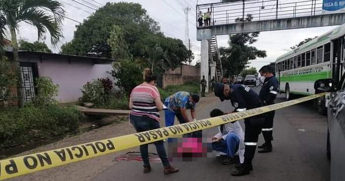 Anciano pierde la vida al ser atropellado en carretera a Santa Ana