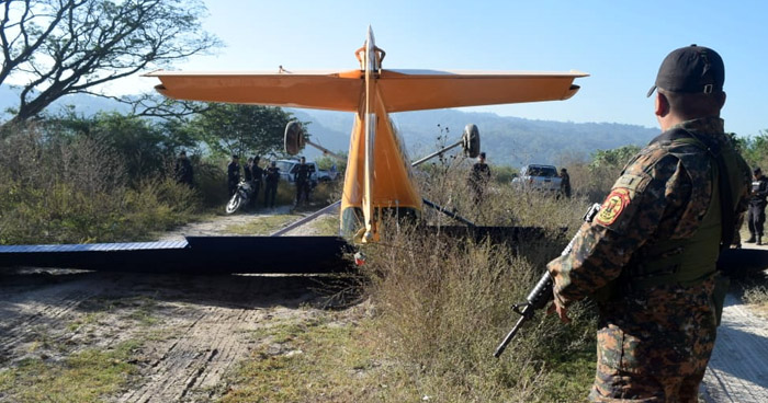 Accidente de avioneta deja dos lesionados en Ilopango