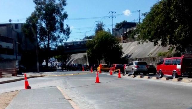 Un cadaver fue encontrado en un barril en las inmediaciones del Bulevar Venezuela, San Salvador