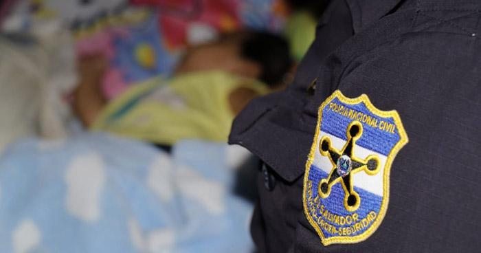 Abandonan a una bebé en colonia de Ahuachapán