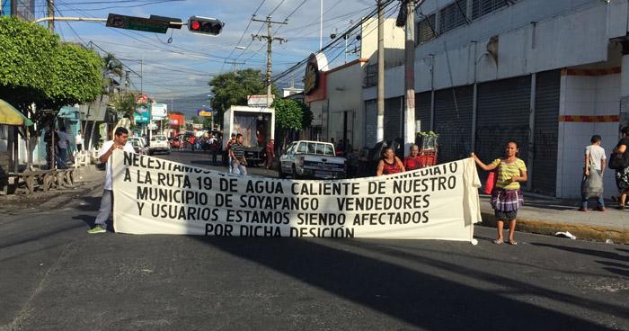 Cierran calles en el centro de Soyapango en protesta por cambio de recorrido de la Ruta 19