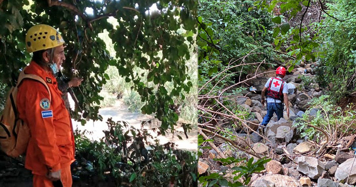 Continúa búsqueda de hombre que ayer se lanzó al río Grande, en San Miguel