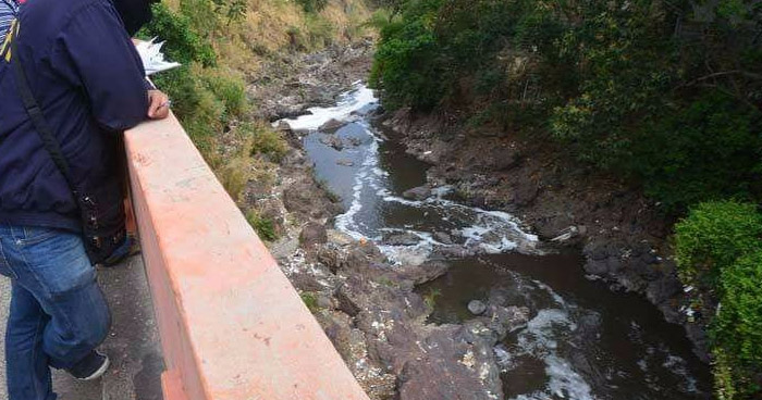 Encuentran cadáver flotando en río Acelhuate en Apopa