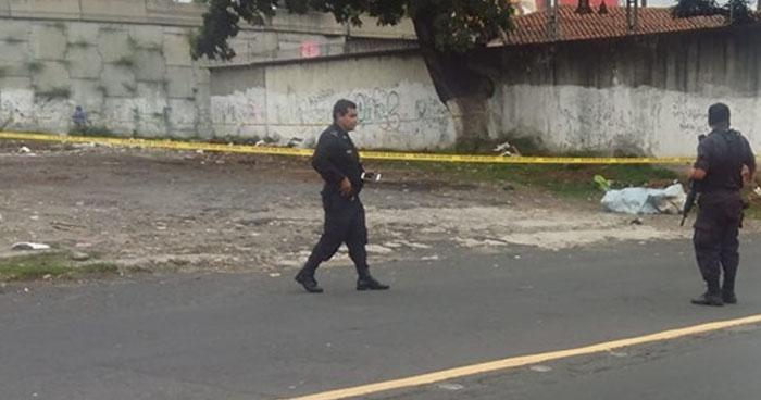 Encuentran cadáver envuelto en sábanas  en barrio Candelaria