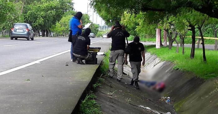 Matan a un hombre y abandonan su cadáver sobre carretera de Oro en San Martín