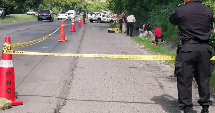 Encuentran cadáver de pandillero sobre carretera de Oro