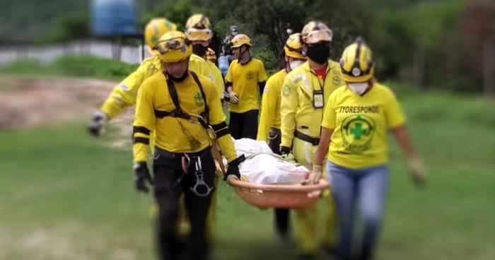 Recuperan cadáver en zona de difícil acceso en Apopa