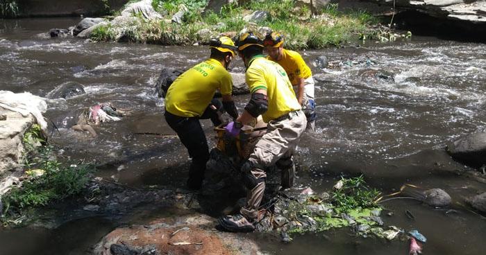 Encuentran cadáver al interior del río Tomayate en Cuscatancingo