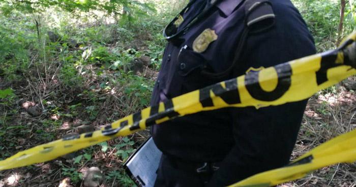 Hallan cadáver de un hombre en predio baldío en Sonsonate