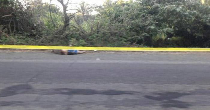 Hallan el cadáver de un hombre frente a un balneario en Santa Ana