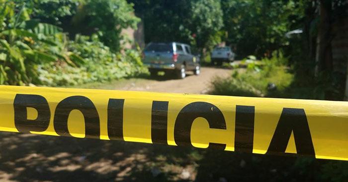 Encuentran cadáver de un hombre colgado al interior de una vivienda en Usulután